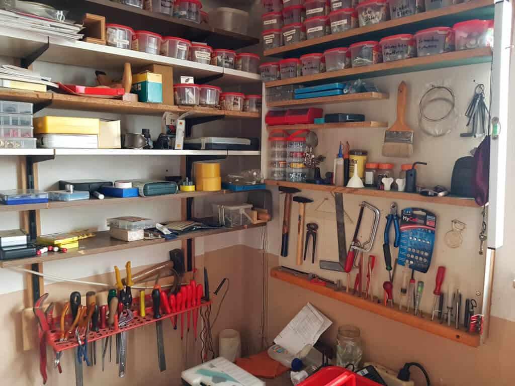 Profi-Werkzeugkoffer-gefüllt-oder-unbestückt-1024x768